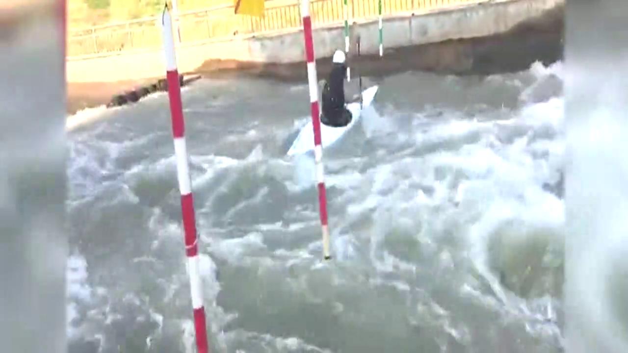 在激流中逆袭!皮划艇激流回旋国家队在四川小城米易集中冬训