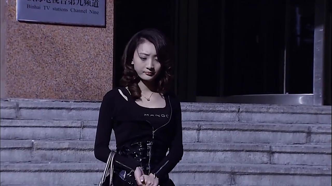 谎言背后:梦瑶等到了王川将她带走,刘总托人给伟豪送汤