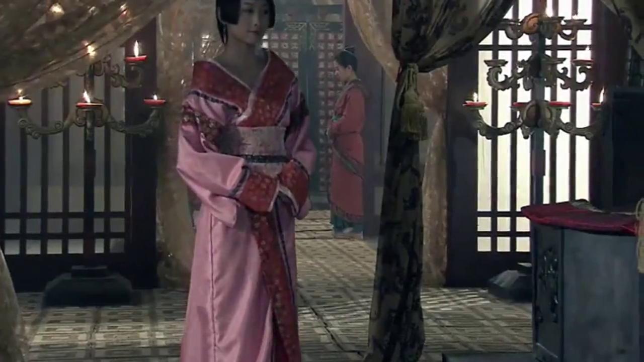 刘盈驾崩,吕雉以少帝年幼为由,以太皇太后身份临朝称制