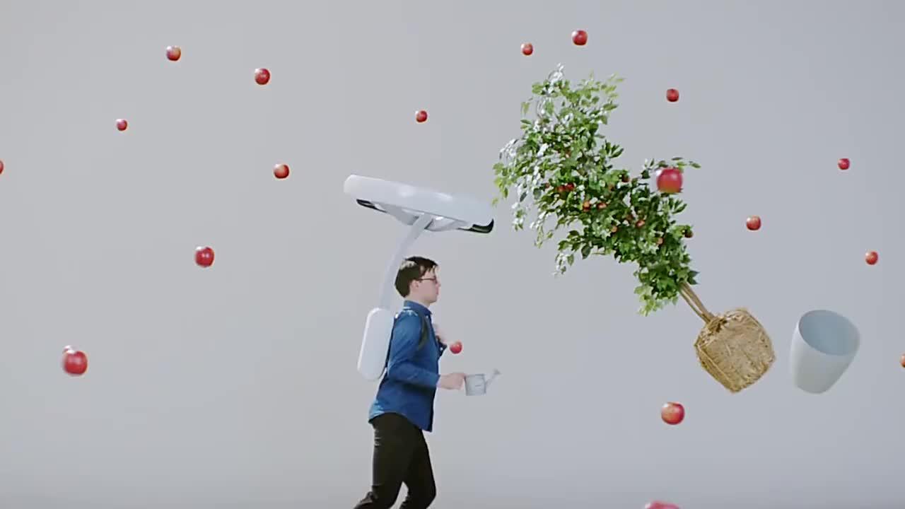 日本人太会玩了发明悬浮背包轻松飞檐走壁上班不怕迟到