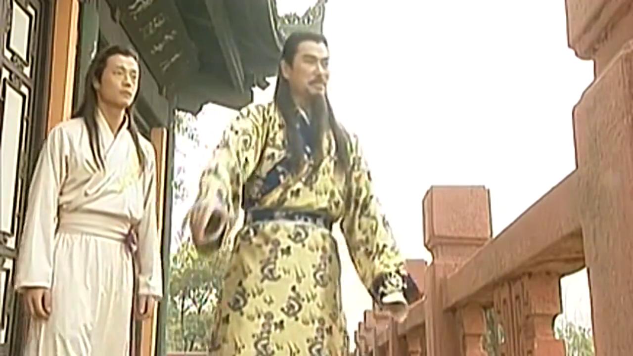 雄霸表面一套背后一套,以婚礼戏耍3徒弟,还说为秦霜高兴