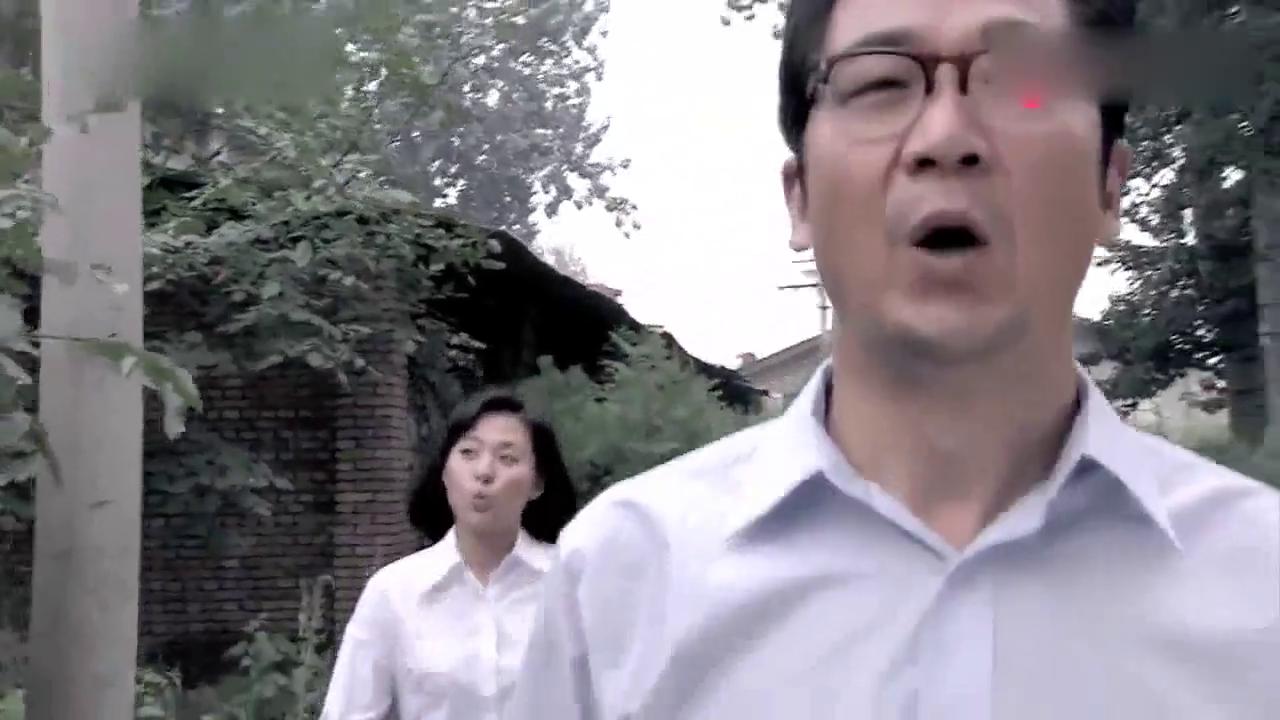 李天骄邀请佟志回家吃面条,暗示自己已经不是小孩