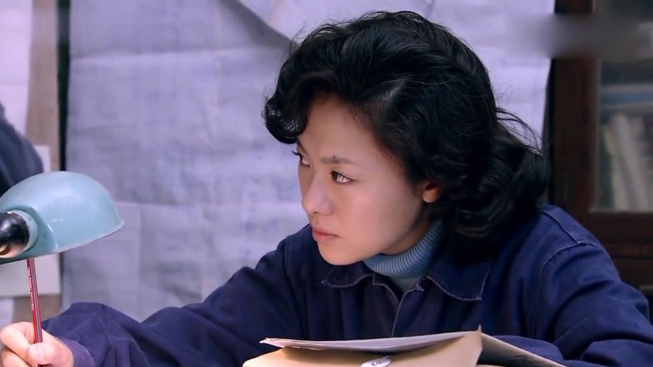 文丽在家悉心照顾婆婆,佟志却在偷看李天骄