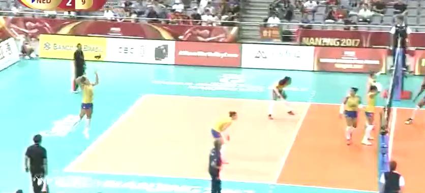 女排大奖赛总决赛战报!巴西3:2荷兰,决胜局最后时刻