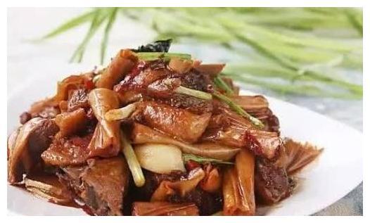 精选美食推荐:莴笋炒肉丝,黄金山药条,泡椒红烧带鱼的做法