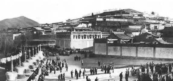 珍贵老照片,近百年前青海塔尔寺和隆务寺,你见过吗?