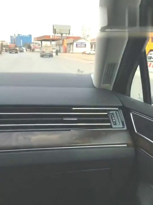 视频:小于哥说车之试驾大众迈腾,想买这款车的朋友可以进来听听