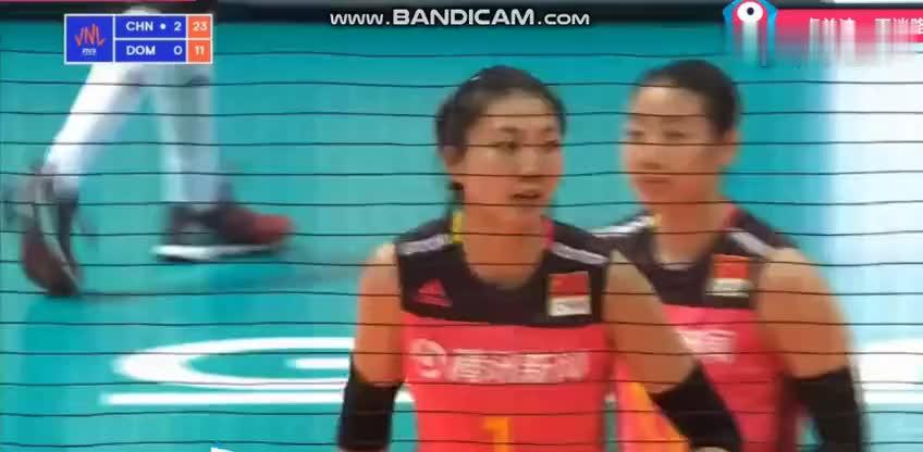 世界女排联赛首战中国女排3 0横扫多米尼加赢得开门红