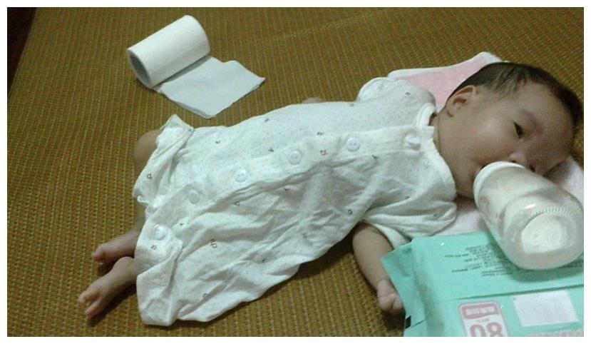 """新生儿要不要""""穿袜子""""?这3个问题要考虑好,很多家长忽视了"""