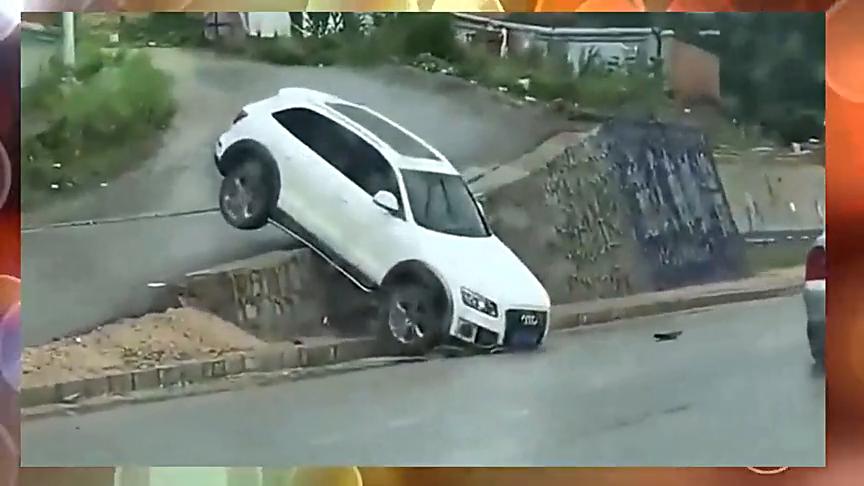 只有你想不到,没有女司机做不到的!女司机走捷径,结果尴尬了