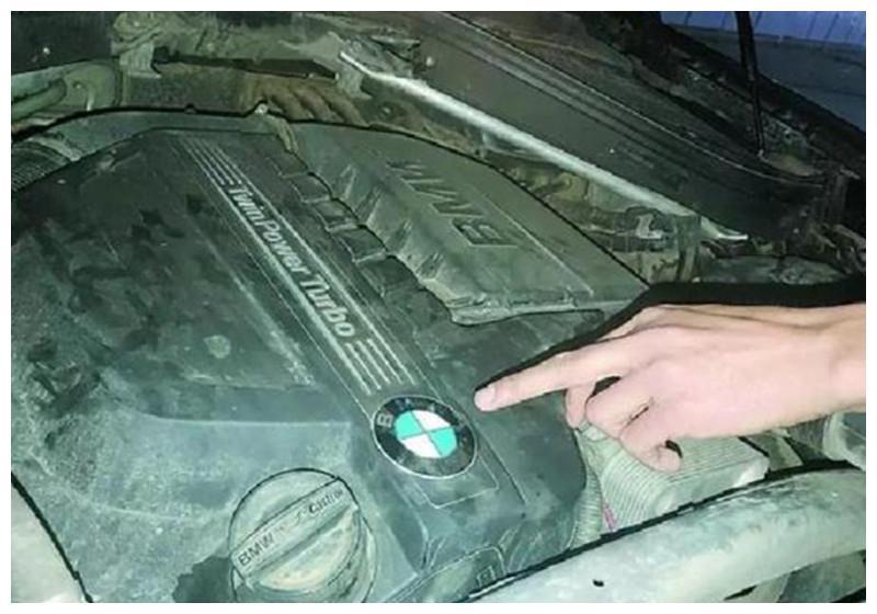 宝马X6去年检,发动机直接整报废,年检部门:这车本来就坏了!
