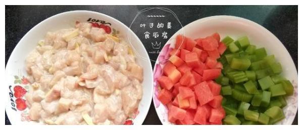 这三样食材搭配在一起,清淡又营养,非常适合老人和孩子食用