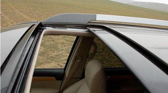电动天窗和全景天窗区别在哪?懂车的人都买它,车友:后悔买错车