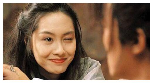 朱茵嫁黄贯中,蔡少芬嫁张晋,袁咏仪嫁张智霖,她们都过得很幸福