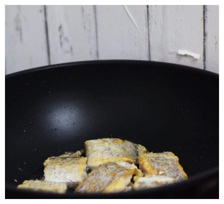 带鱼这样做,比豆腐还要嫩,鲜美下饭,适合夏天的家常菜