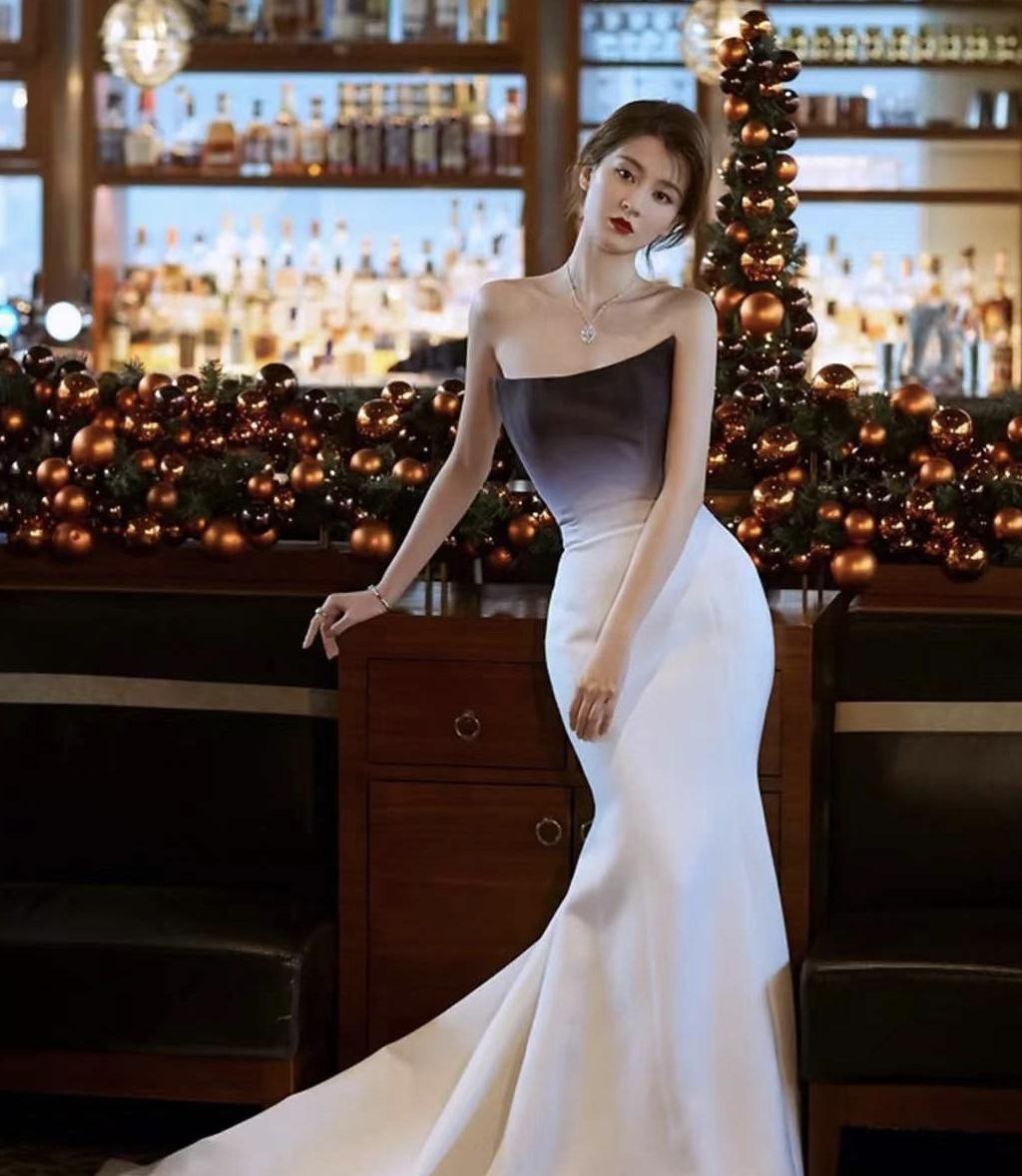 时尚盛典女星斗艳,景甜乔欣齐穿鱼尾裙好惊艳,王菊变身浴球好壮