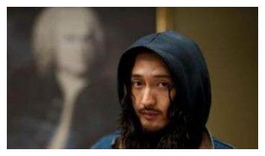王传君有《我不是药神》,金世佳有《一个勺子》网友:陈赫有它
