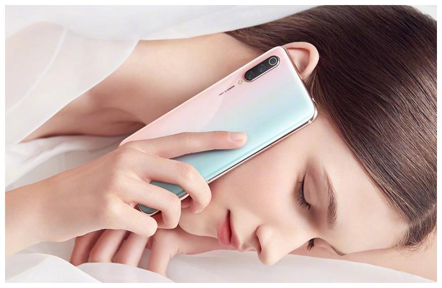 """小米多款手机降价,智能手机市场进入""""血拼""""时代?"""