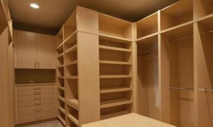 传统衣柜嫌普通?那就选择特别的,即使空间不足,也能照常使用!