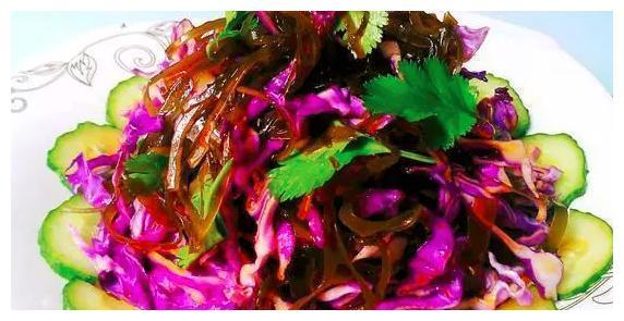 精选美食推荐:蚝油西兰花,海带拌紫甘蓝,炒芹菜豆腐干的做法