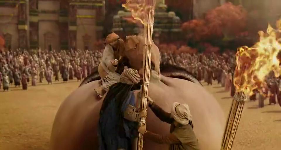 西游:唐三藏被小人围住,被告知自己来到西天,激动地要留鼻血