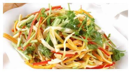 火锅烧烤桌桌必点的素菜金针菇,这样吃才最下饭