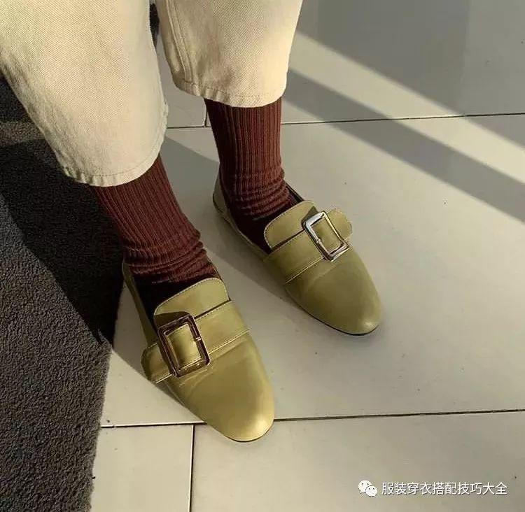 别再露脚踝了!2019最流行的春装搭配是这款,时髦炸了!