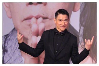 """限韩令解除了?王家卫公司签下宋慧乔,还送给她一个大""""见面礼"""""""