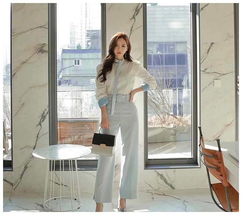 孙允珠:白领日常通勤时尚,浅湾琉璃海军格子领带白衬衫
