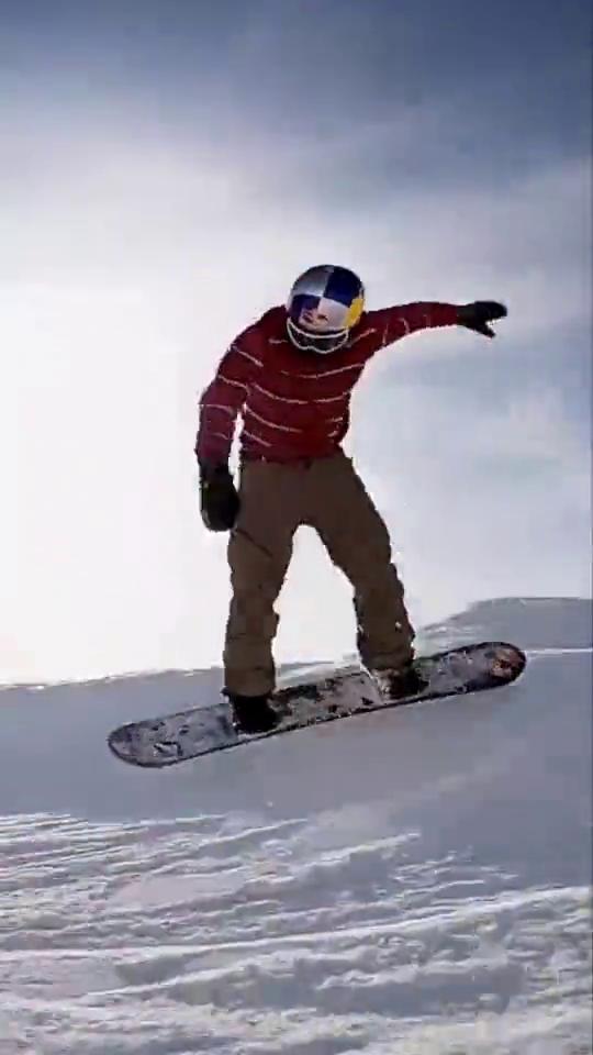 名师出高徒,Marcus9岁的小徒弟已经相当厉害了滑雪单板滑雪