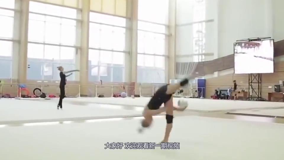 高低杠奥运冠军女神何可欣,退役后重返校园无人追,本人霸气回应