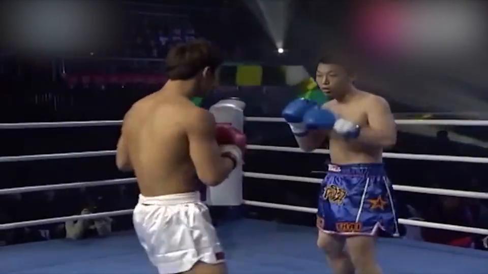 死神方便暴力进攻转身一脚蹬在日本选手身上