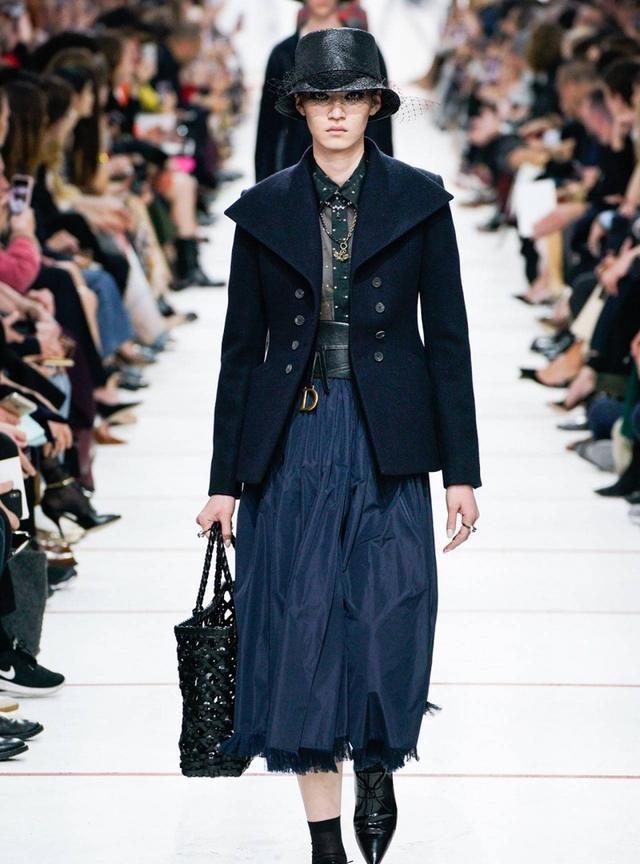 Dior 秋冬系列让女人洒脱且有迷人的魅力