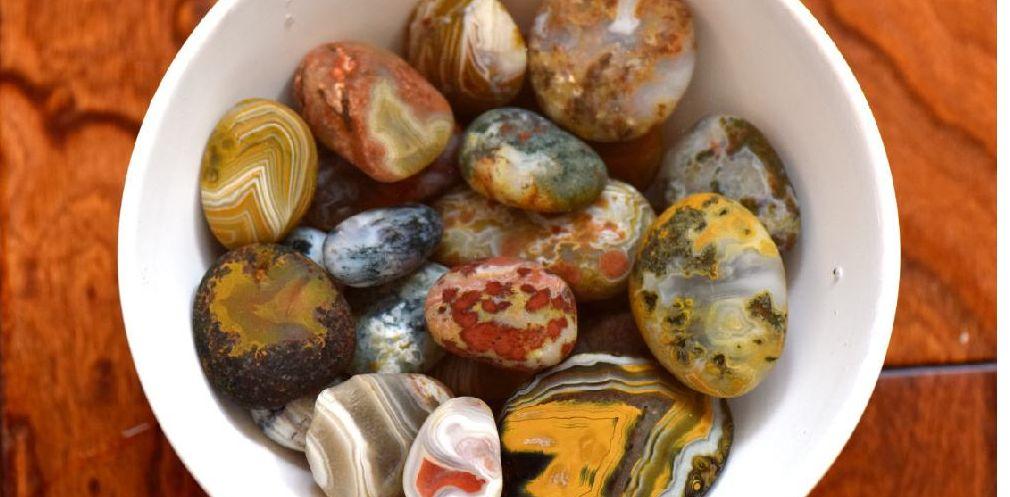 大自然鬼斧神工,居然有这么漂亮的石头,大自然也是名师画家呢!