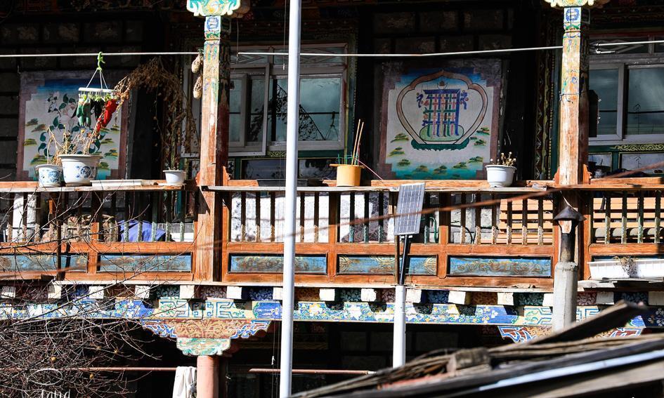 走进西藏,古老朴素的藏族民居和现代建筑,打开你的新视野
