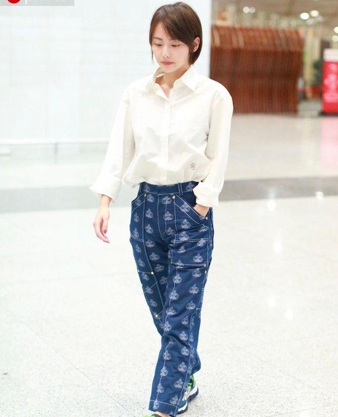 张嘉倪剪成波波头少女值翻倍 再穿上白衬衫,美回20岁