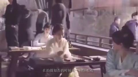 明星冬日怎么拍戏?王俊凯身上裹保鲜膜,赵丽颖被冻哭了!