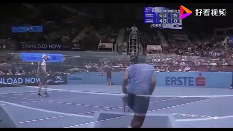 当你打网球比赛胜利时一定要像孟菲尔斯一样庆祝