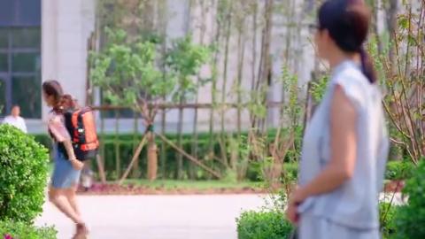 大话红娘:晓晓答应了唐糖,她要给唐糖代班,她开心跳起来