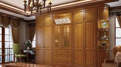 衣柜用门有讲究,平开门,推拉门哪个更实用?选错入住麻烦多