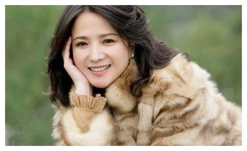 四大名著电视剧她都参演过,如今53岁气质依旧,影迷称古装女神