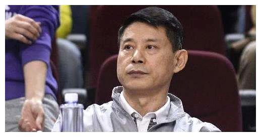 前中国篮协主席信兰成,为何他被称作是让中国篮球倒退20年的人?