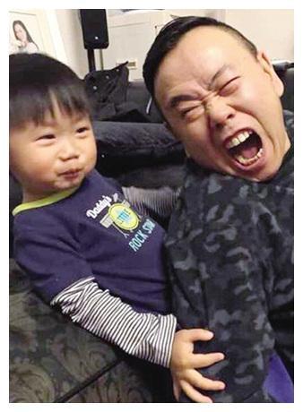 看了潘长江的外孙,再看看赵本山的外孙,差距真的一目了然!