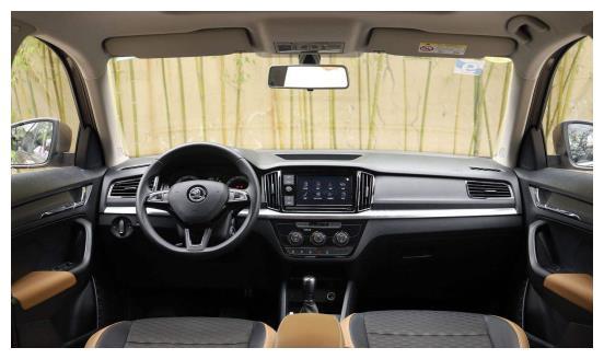 良心的斯柯达汽车,现在已经下降到8.99万,而且汽车的颜值不