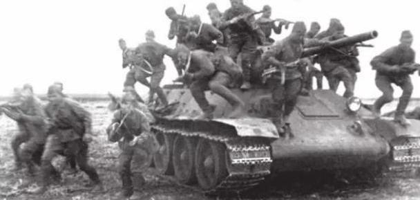 让苏军纵横千里,并为取得卫国战争胜利立下汗马功劳的T-34坦克