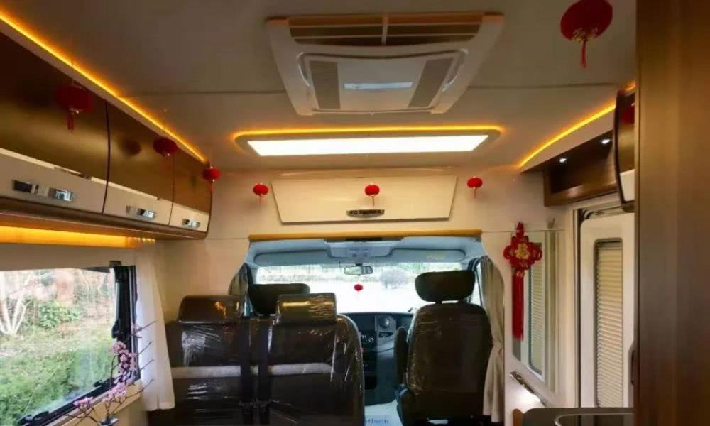 人气罗曼特斯房车再次升级,横置上下床的设计是你想要的布局吗?