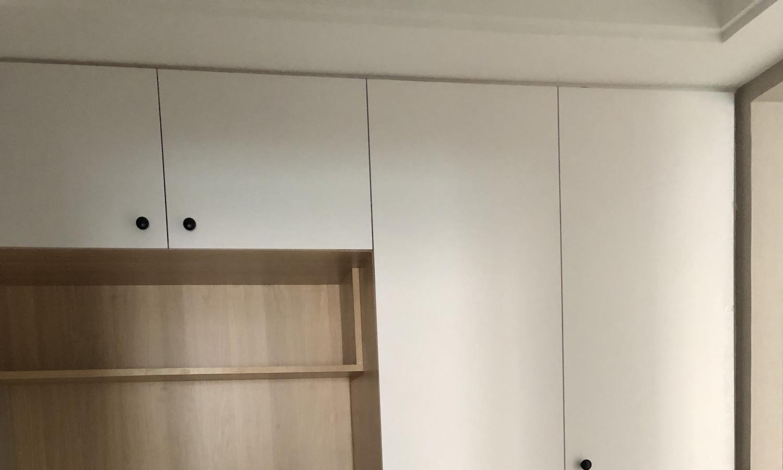 新房硬装完工,装修非常简约,正在做保洁,忍不住给大家晒晒!
