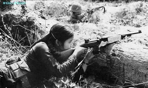 """对越反击战,我军意外击毙一人,不想却是绰号""""黑玫瑰""""的她"""