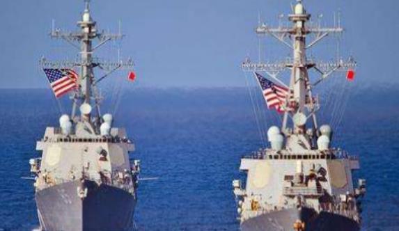 批量战舰直接开来,美军舰看势不妙立即躲避,局势相当被动