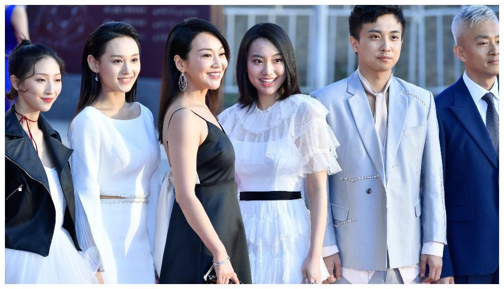 北京国际电影节群星璀璨 舒淇、闫妮性感亮相 外国妞也来了不少